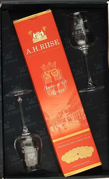 Rum-A.H.-Riise-XO-Ambre-d'Or-Reserve-Geschenkset.jpg